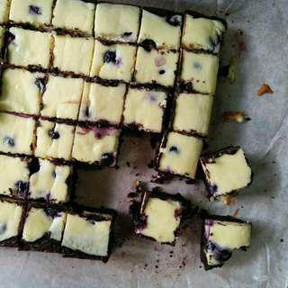 Brownies cheese blueberries cake