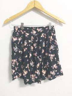 Stradivarius skirt with pockets