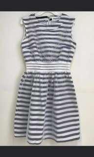 (包順豐站)韓國製黑白間連衣裙 原價$599