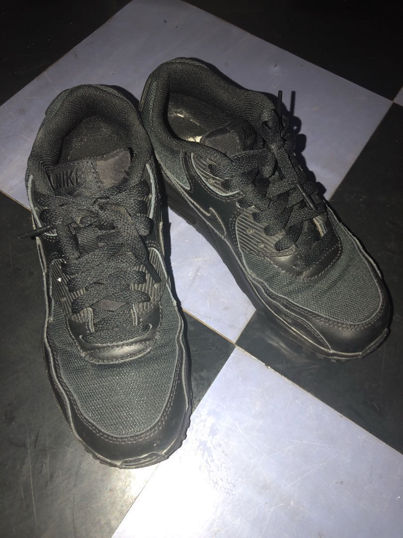 brand new 9dfb7 5317a Authentic Nike Air Max 90 All Black Sneakers, Women s Fashion, Shoes ...