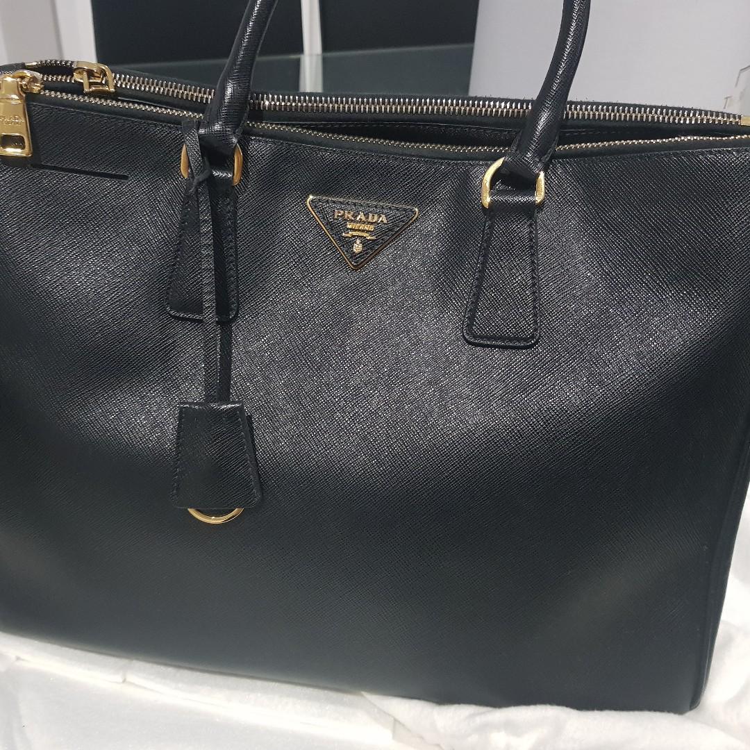 AUTHENTIC PRADA BLACK SAFFIANO TOTE BAG