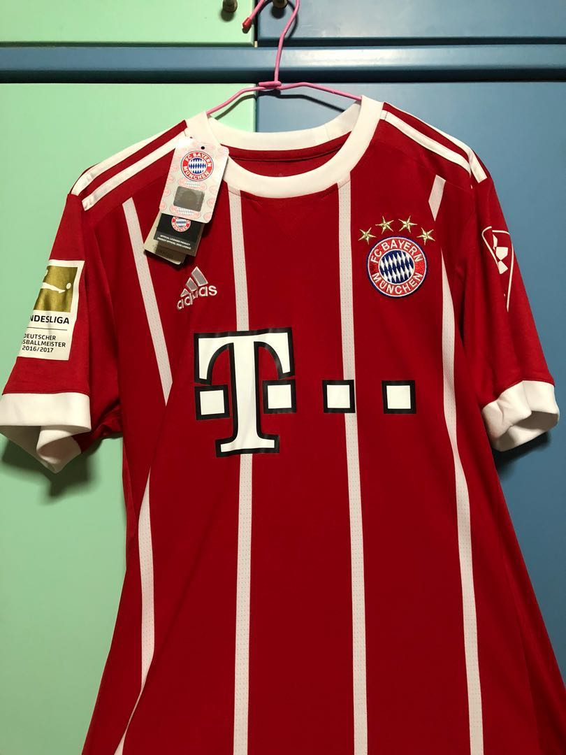 premium selection d4a4c a56c5 Bayern Munchen 17/18 James jersey