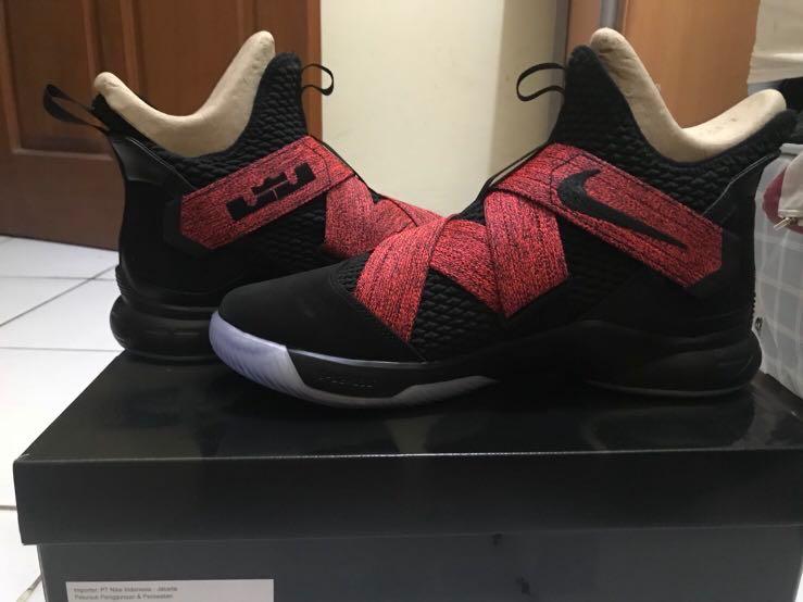 "7c2b1cad8fb Jual sepatu basket Nike Lebron Soldier 12 ""Bred"" Black size 46 12 ..."