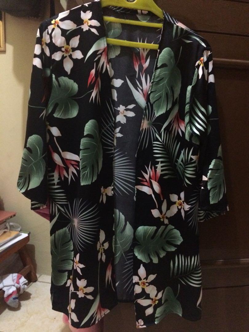 Outer/luaran kimono