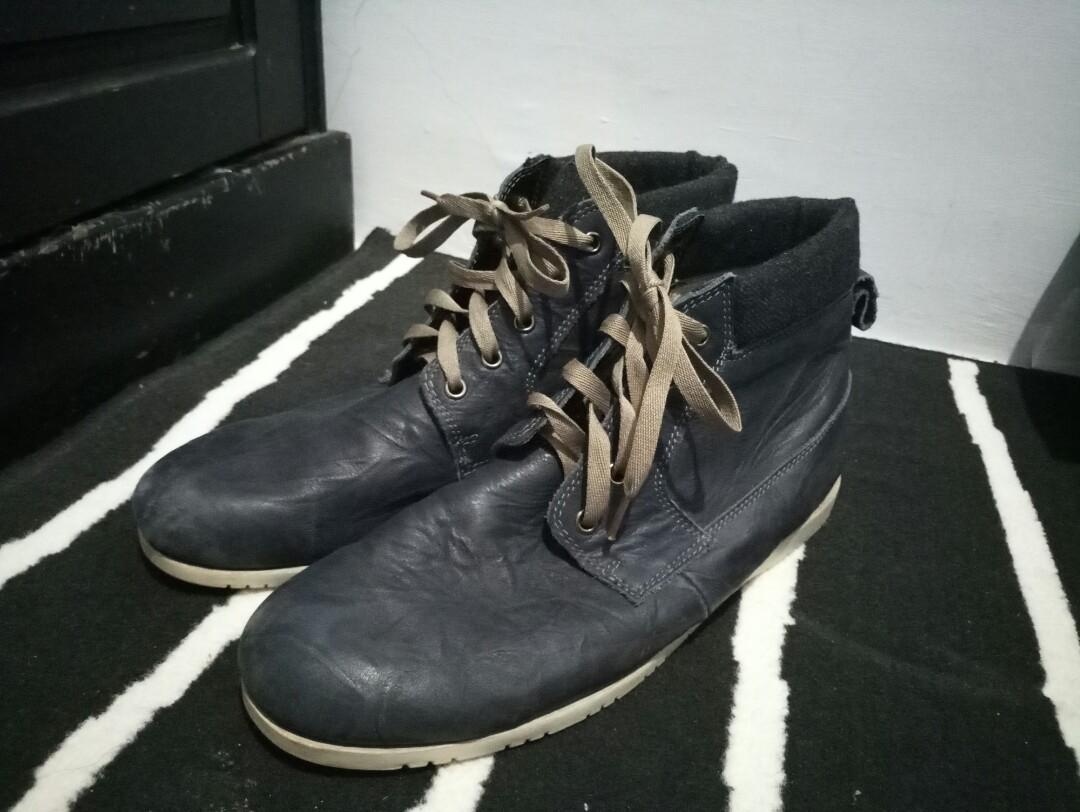 Sepatu Boots Lacoste 5c0caf126b