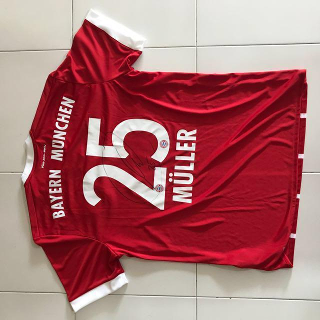 huge selection of b6461 52d61 Signed Bayern Munich Home Jersey by Thomas Muller (M size ...