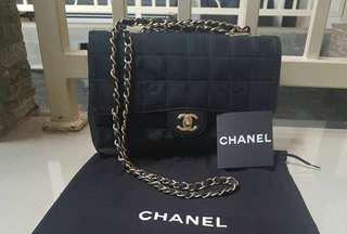 Preloved Chanel 25 cm Black Canvas Flower GHW #7 complete with holo, small carecard, & dustbag. IDR