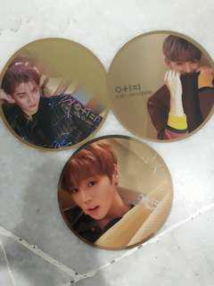 WANNA ONE OFFICIAL MIRROR CARD