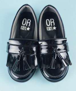 返學黑皮鞋