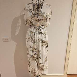 (14) NWT Showpo dress
