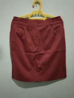 Skirt merah bata