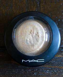 MAC Lightscapade