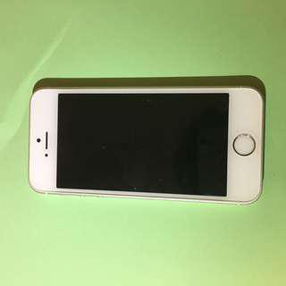 IPhone se 32gb silver 99%new 100%work perfect