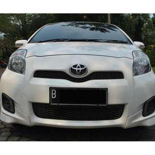 Toyota Yaris E Facelift AT 2013 warna putih , Banyak Kelebihan, Banyak Kemudahaan