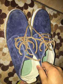 sperry top sider..