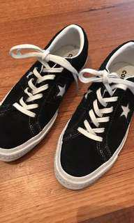 PRICE NEGOTIABLE Unisex converse one star