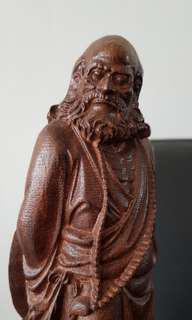 达摩 wood statue