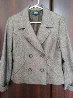 OZOC woman's suit 95% new