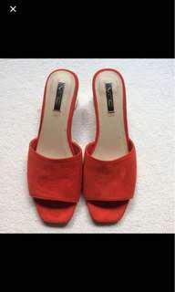 (REDUCED) Vincci Mid heels
