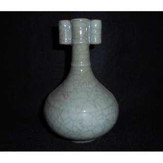【龍泉青瓷研究所】絕版收藏珍品 哥窯 雙耳長頸瓶