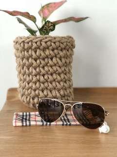 Gold Polarised Aviator Style Sunglasses