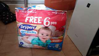 🚚 Drypers Diapers M size
