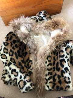 Korean leopard jacket with real fur (hoodie border)