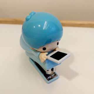 🚚 7-11 三麗鷗 立體公仔 釘書機 藍色 KIKI 款