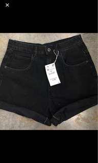 Zara mom shorts (no tag)