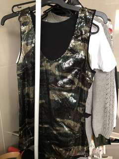 Guess camouflage sequin top