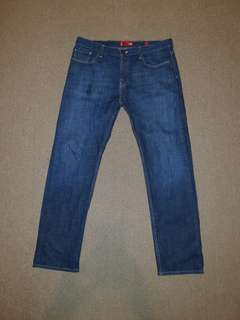 Levi's straight leg Jean's size 36