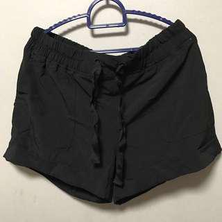 🚚 BN Cotton On Body Sports shorts in black M