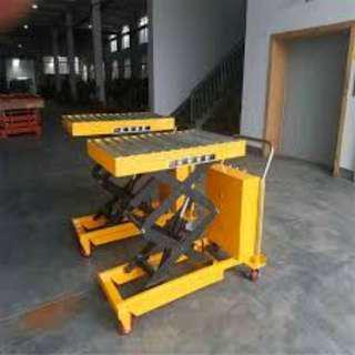Electric hydraulic lifting platform truck