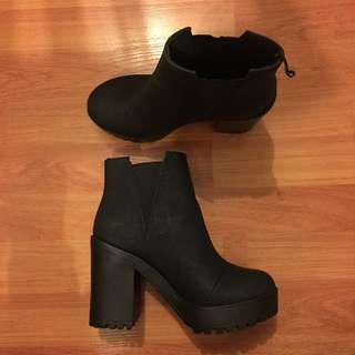 Black boots | size 6