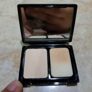 SMASHBOX compact powder travel size