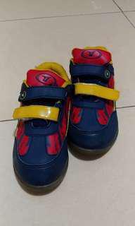 Sepatu Sekolah Anak Sneakers Gaul