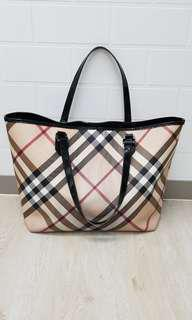Burberry Nova Checked Tote Bag (Large)