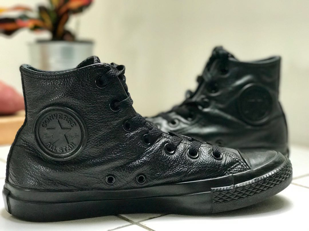 Converse Leather Leather Leather Triple Negro Talla 7W, Mujer Fashion, Zapatos on 03c565
