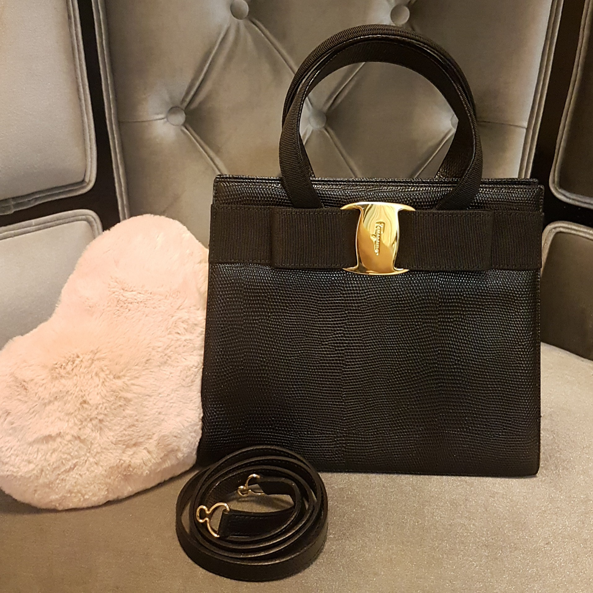 ebc09ac3bd2c Ferragamo (Lizard-leather) Vintage Vara Bow 2-Way Handbag (Like-New  Condition)