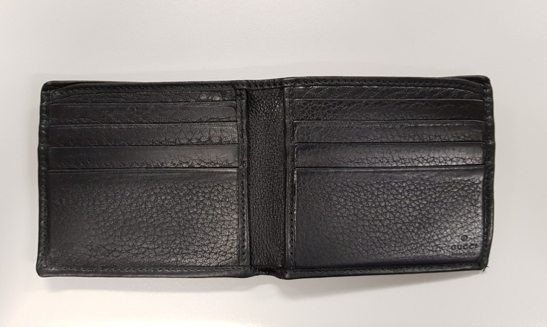 4e0759e18b6eed Used Gucci Ace Black Bifold Mens Wallet, Luxury, Bags & Wallets, Wallets on  Carousell