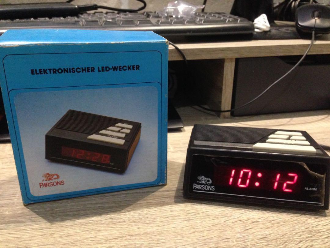 (Jam Kuno) Parsons Vintage Led Alarm Clock