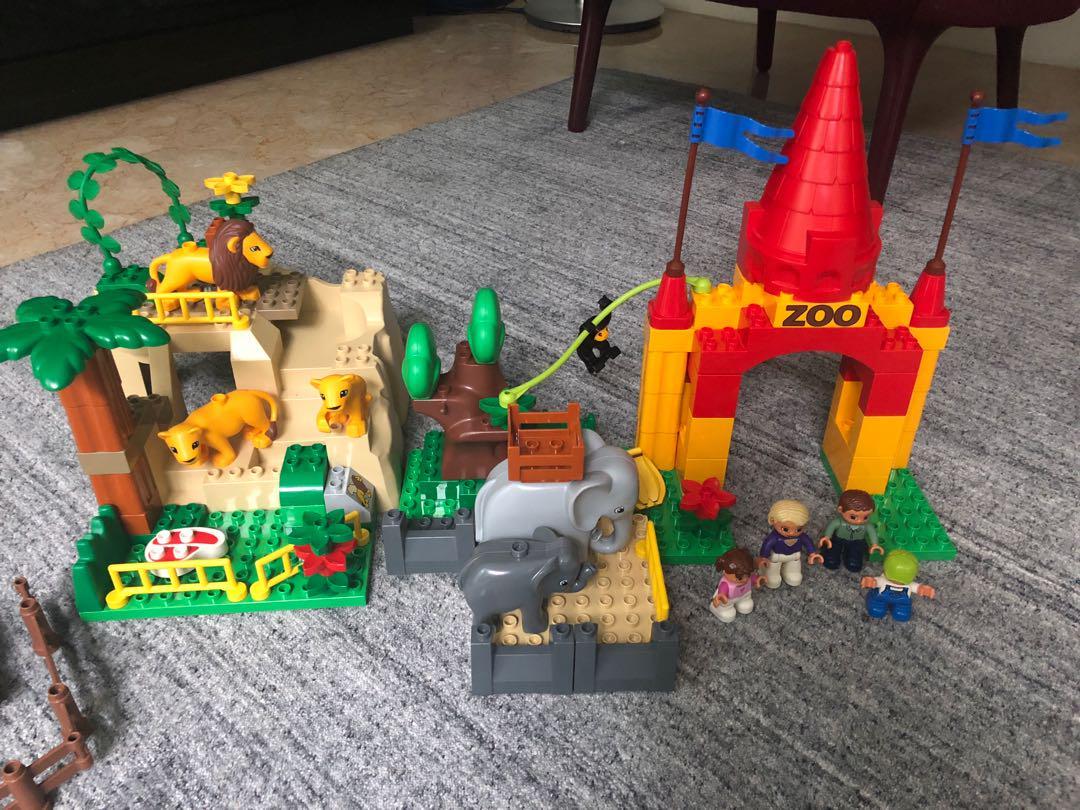 Lego Duplo Giant Zoo 4960 Retired Set, Toys & Games, Bricks