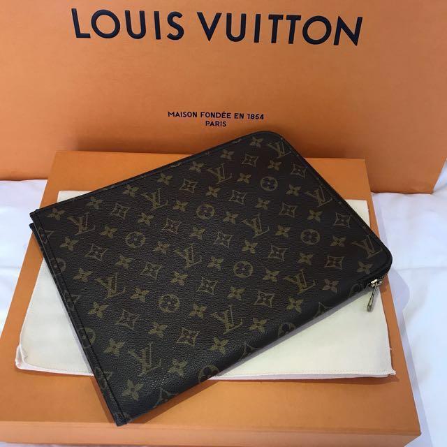 best service 038d8 675c9 Louis Vuitton Poche Documents Portfolio Case