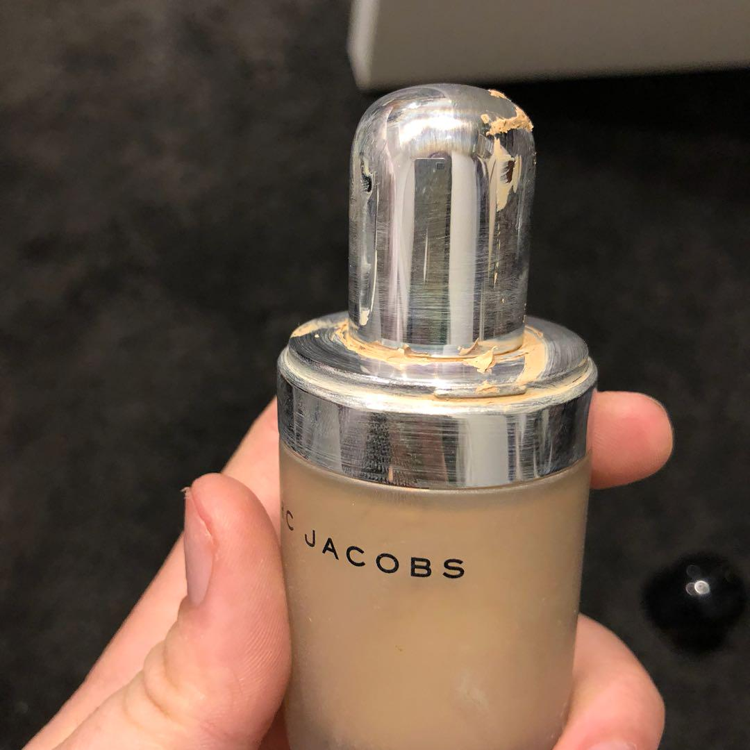 Marc Jacobs Remarcable Foundation (shade ivory 14)