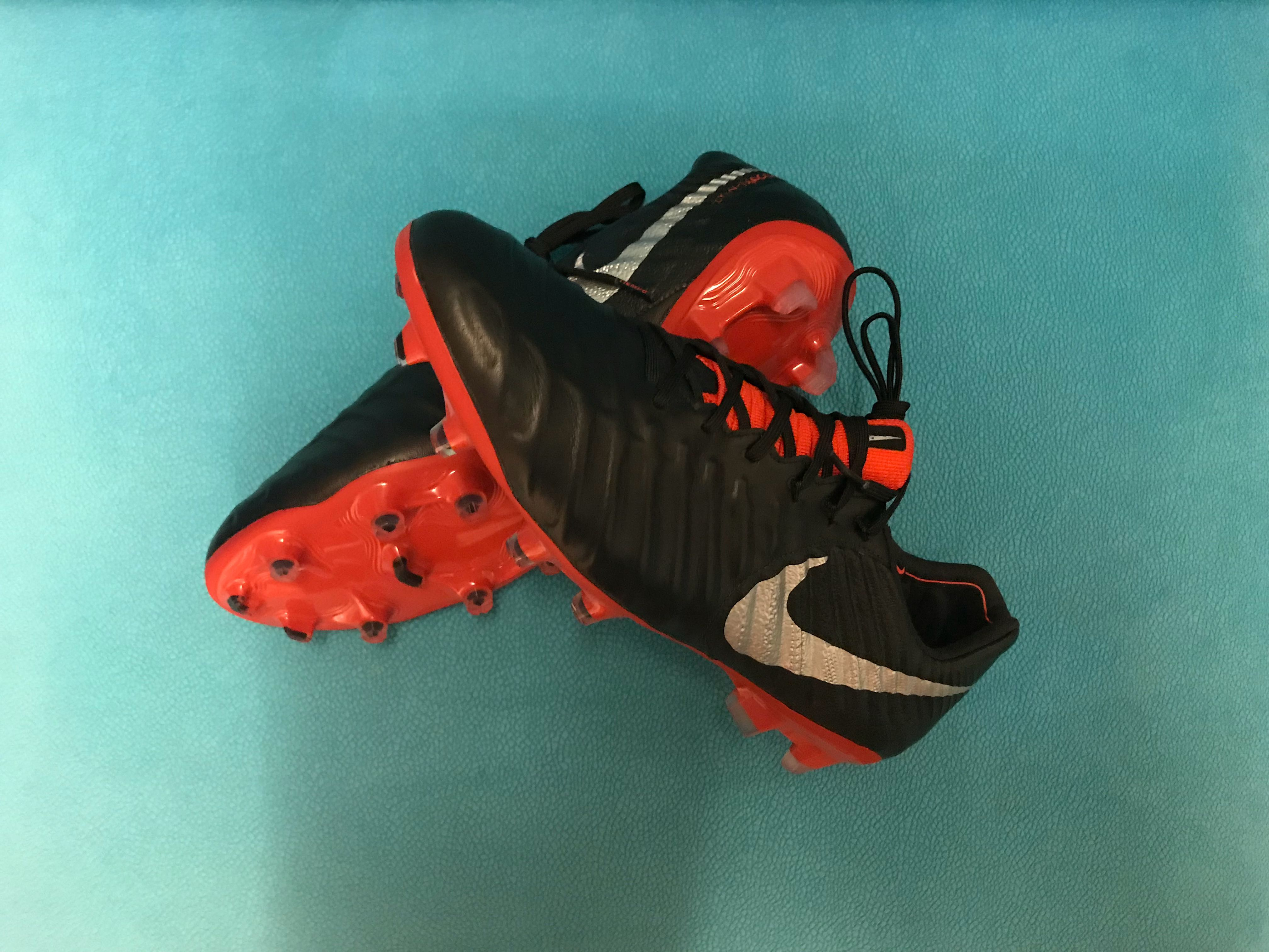 bf65ff762e67 NIKE Football Boots, Sports, Sports Apparel on Carousell