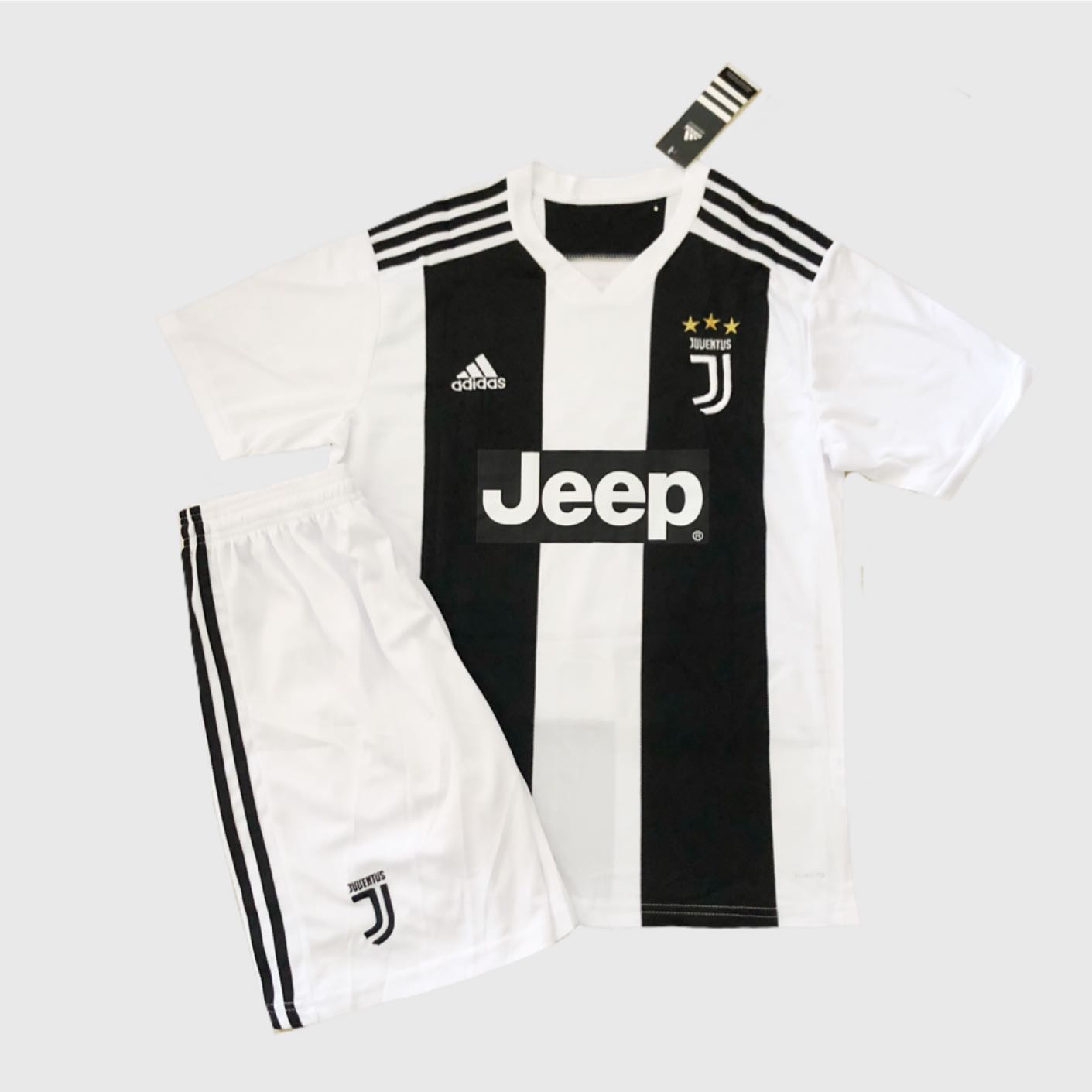 2b2b9da37 ❗️SALE❗️Juventus 18-19 Home/Away Jersey Kit, Sports, Sports ...