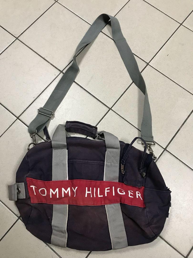 dbe0dfe2de3 Tommy Hilfiger Duffle Bag, Men s Fashion, Bags   Wallets on Carousell