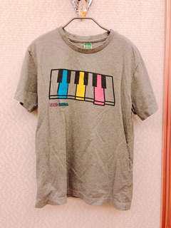 現貨 快速出貨 上衣 短袖 T恤 男版 女版 中性版 男女都可穿 尺碼M 仿舊設計 渡假 鋼琴 彩繪度假 夏季 圖樣