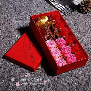 🚚 《微笑花兒幸福館》24K黃金箔玫瑰+12朵香皂花禮盒!還可以驚喜價加購925銀飾手環喔!(不挑款特價)七夕情人節禮物#聖誕節跨年禮物