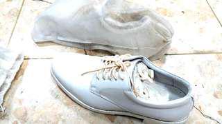 🚚 超低價再降價全新出清全白時尚皮鞋